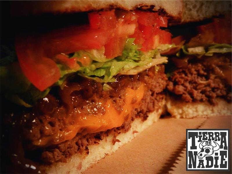 Tierra de Nadie: hamburguesas caseras y rellenas
