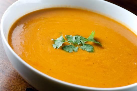 Tres sopas deliciosas para hacerle frente al frío