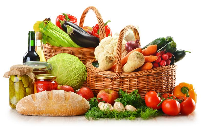 Canastas con productos orgánicos, una solución para alimentarse saludablemente