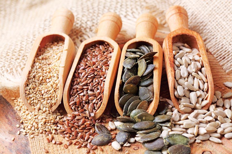 Propiedades y beneficios de las semillas de sésamo, lino y girasol