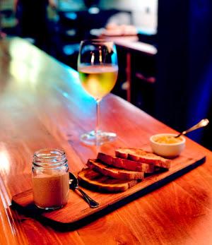 Shout: bar de vinos para degustar por copa
