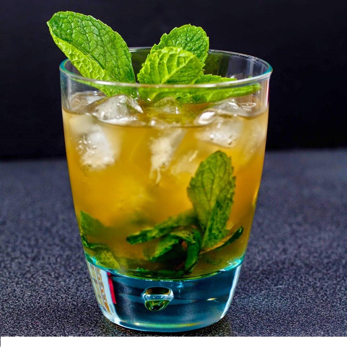 Historia y preparación de un refrescante Mint Julep