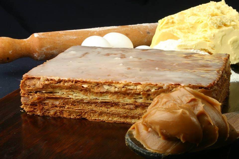 La Federación de Pasteleros festeja sus 50 años con 50 tortas