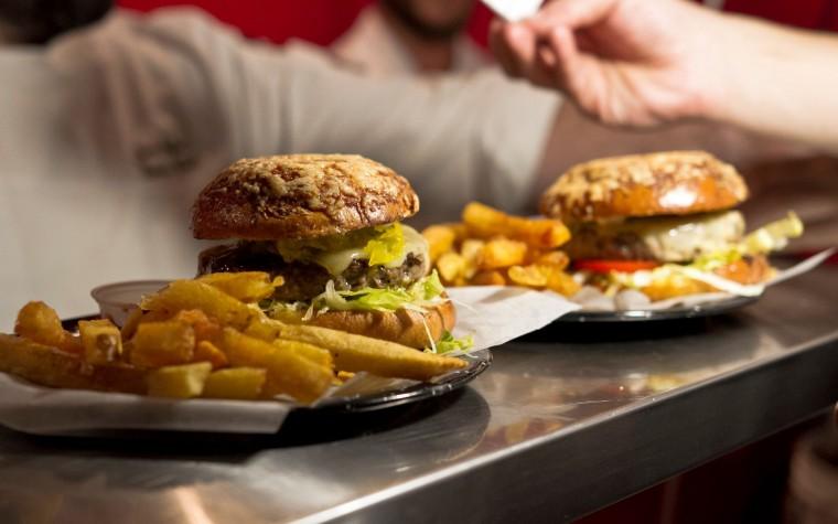 Chefs invitados preparan hamburguesas de autor en Tierra de Nadie
