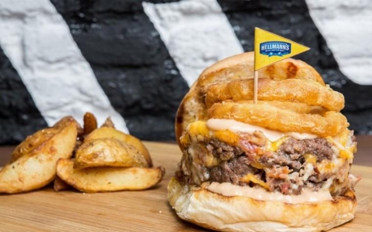 Sumate a la Hellmann's Burger Route, una experiencia bien condimentada