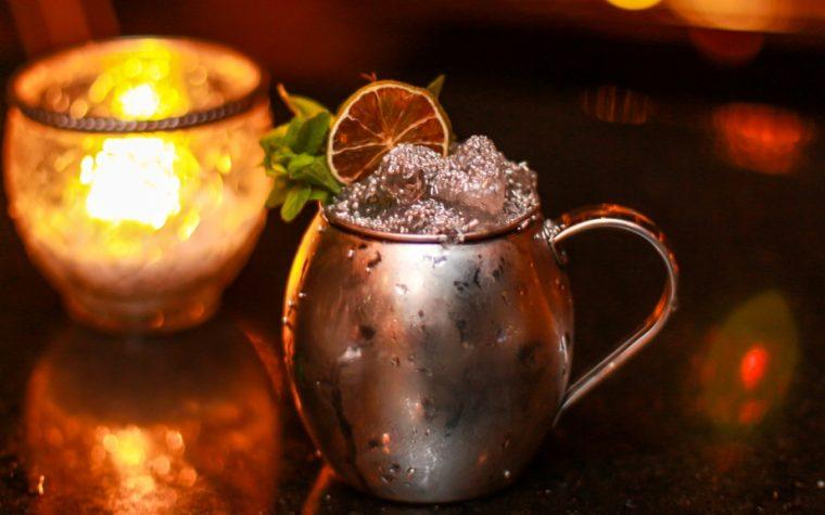 Low 646 convierte piedras y metales en originales cocktails