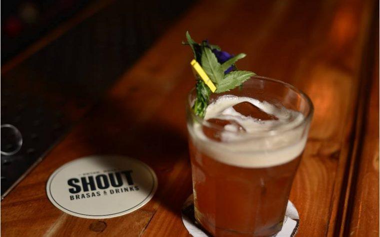 La terraza de SHOUT, un oasis en Retiro para disfrutar los mejores drinks