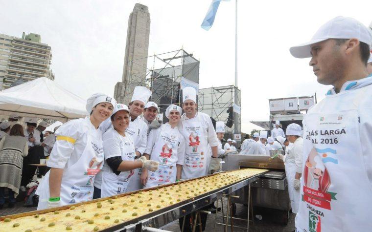 Cocinaron en Rosario la pizza más larga del Litoral