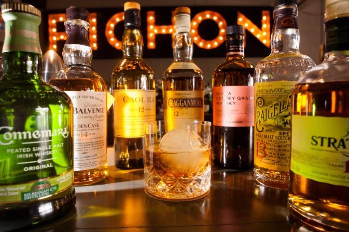 Cata de whiskies en Pichón de Nordelta