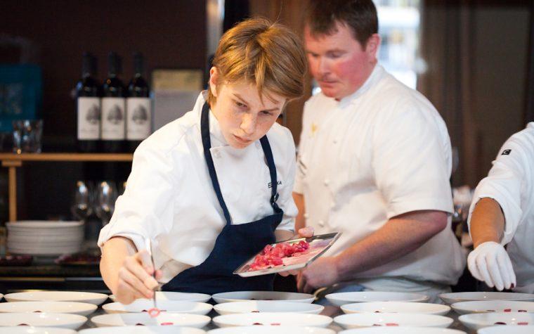 Tiene 17 años y se perfila como uno de los mejores chefs de New York