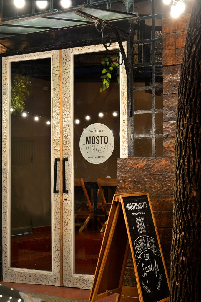 mosto-vinazzi-fachada-baja