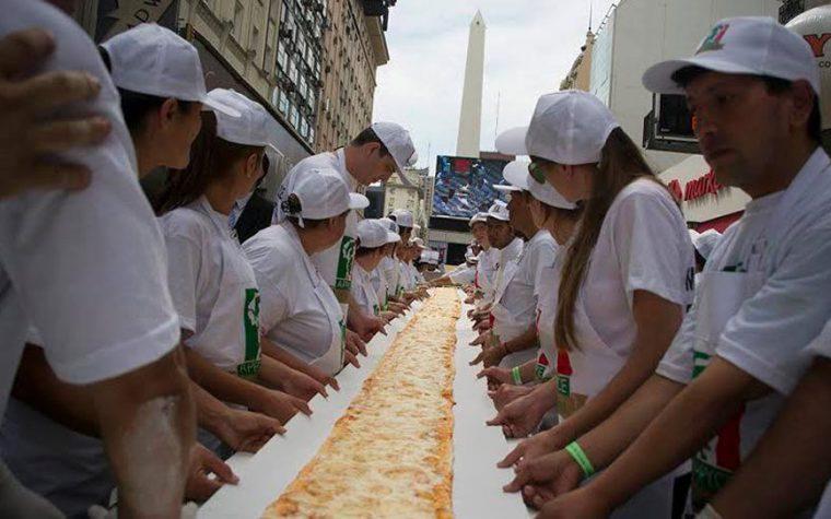 Buenos Aires vuelve a amasar la pizza más larga