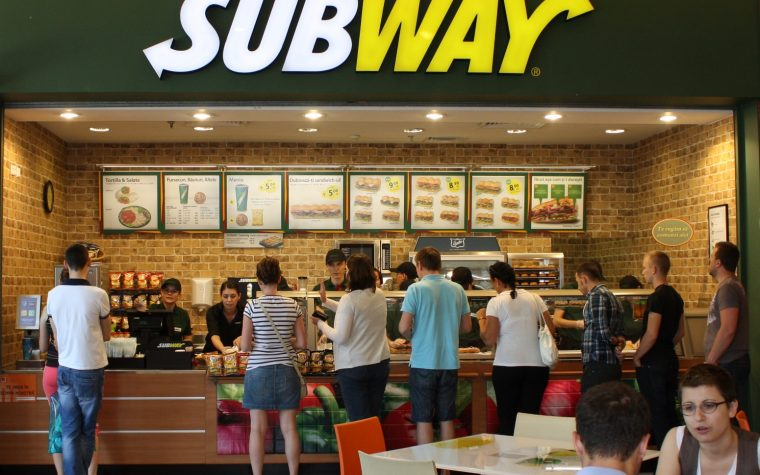 "Subway invita a pasar un día a puro ""Sol & Rio"""