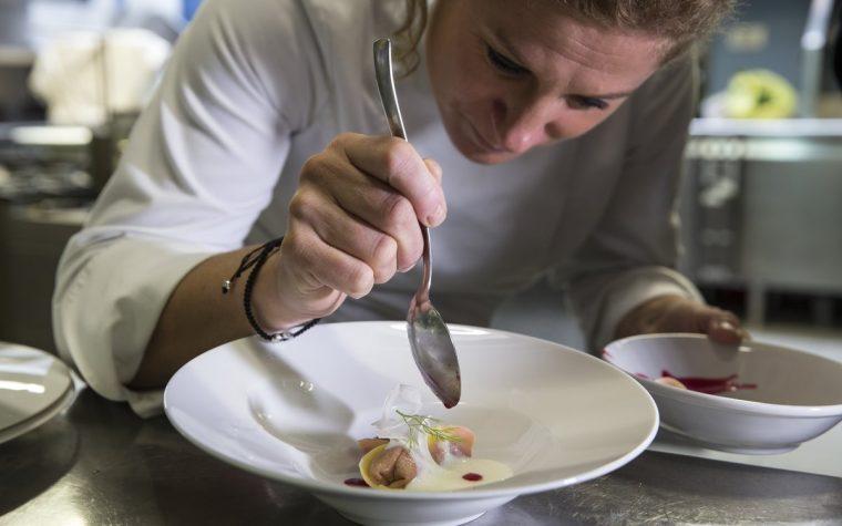La eslovena Ana Roš fue nombrada la mejor chef femenina del mundo