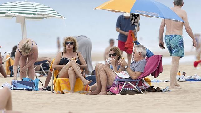 Comer en la playa: diez consejos para mantenerse saludable