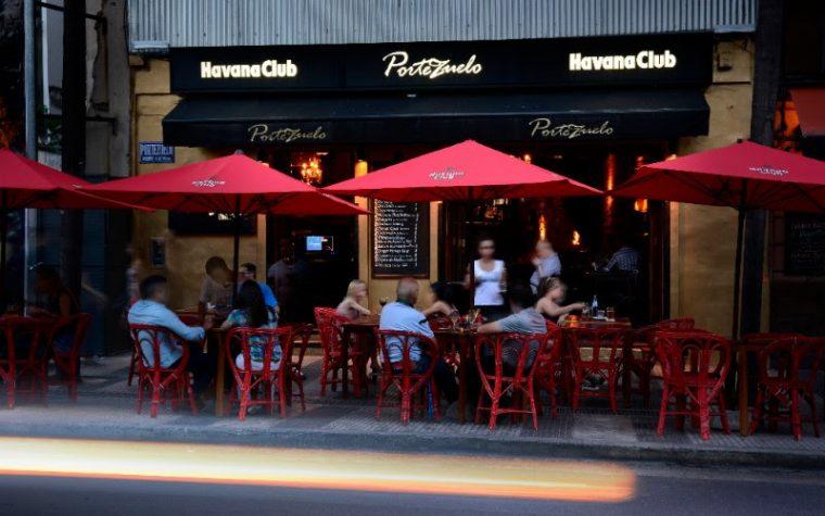 Portezuelo, el bar de Recoleta, renueva su happy hour