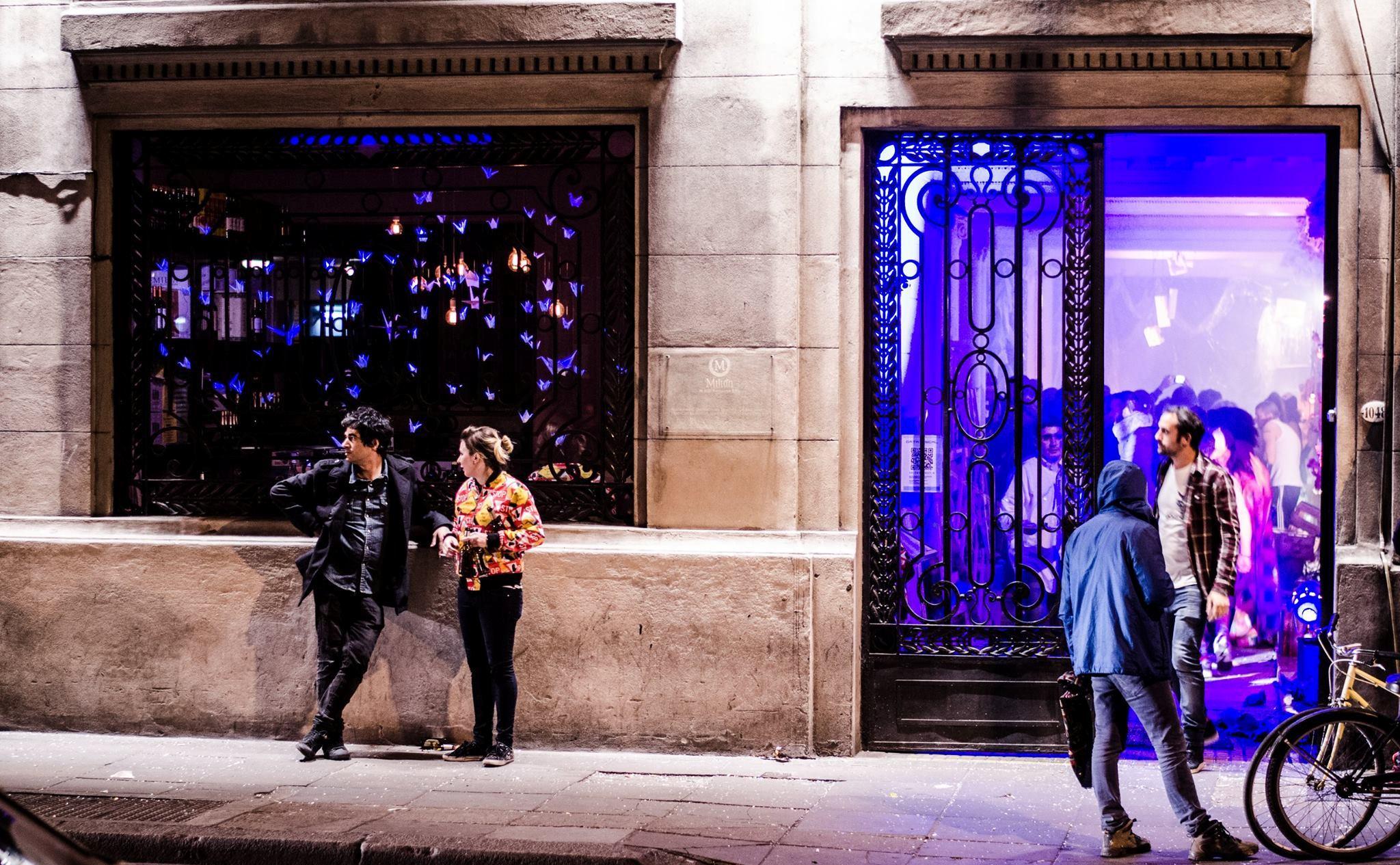 """""""Pase y cierre la puerta"""", arte y coctelería en Milion"""