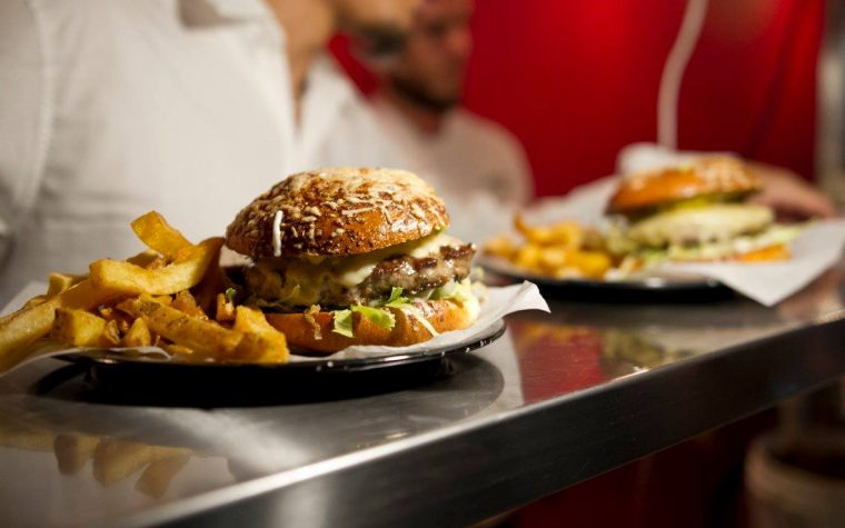 Tierra de Nadie, el pionero en burgers, inaugura su segundo local