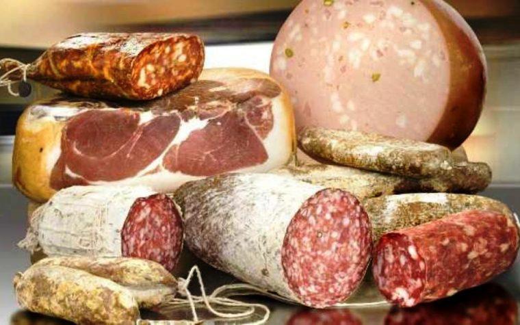 El crítico gastronómico Pietro Sorba presentó su línea de chacinados