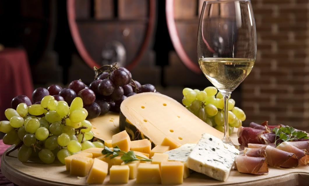 Degustación de vinos y quesos en La Cava de Vittorio