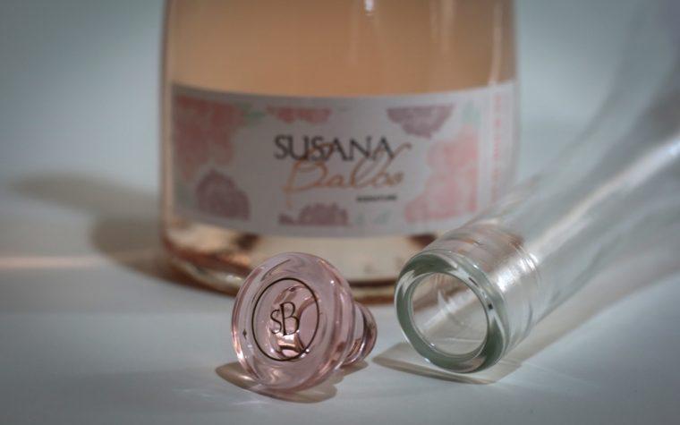 Susana Balbo presenta su nuevo Rosé, el primero del país con tapón de vidrio templado