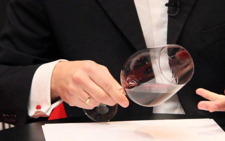 Cómo degustar un vino y entenderlo a través de los sentidos