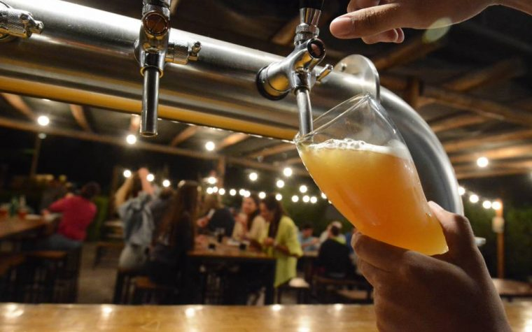 Cerveceros argentinos unidos contra el impuestazo