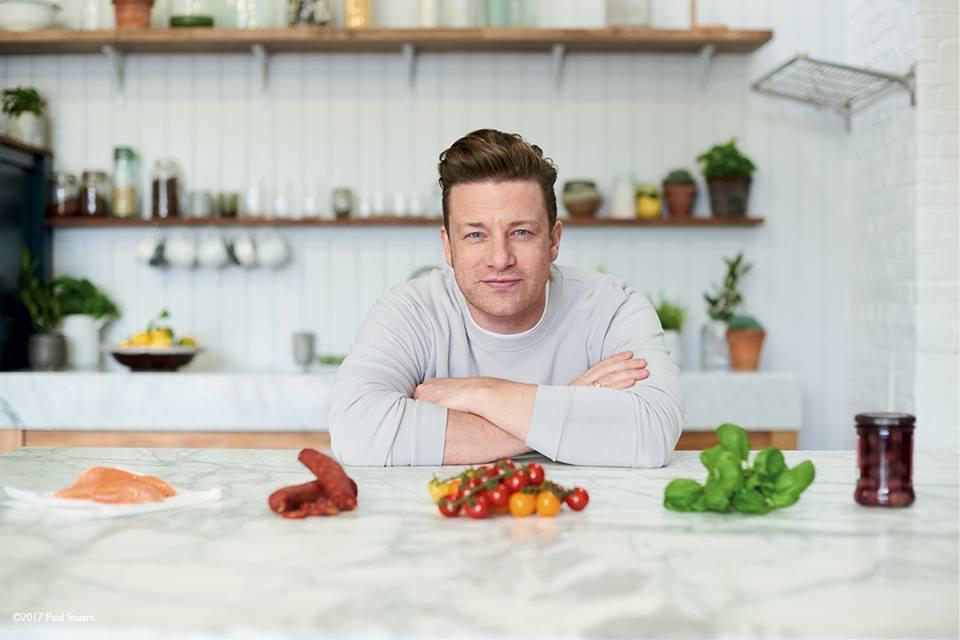 #NoParaLosNiños, la nueva campaña de Jamie Oliver contra las bebidas energizantes