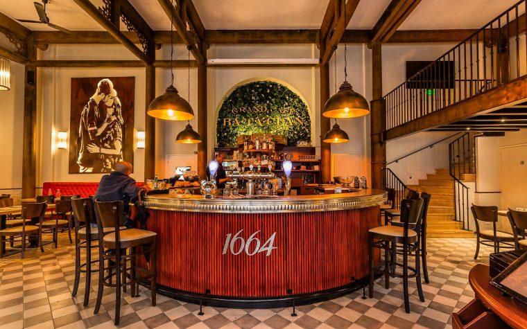 A dos años del tiroteo, el Bataclan Café de París vuelve a abrir sus puertas