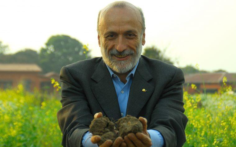 Carlo Petrini, el presidente del movimiento Slow Food, visita Chile