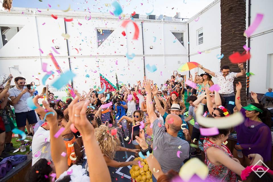 Yoga, baile y jugos naturales: la fiesta Daybreaker llega a Buenos Aires