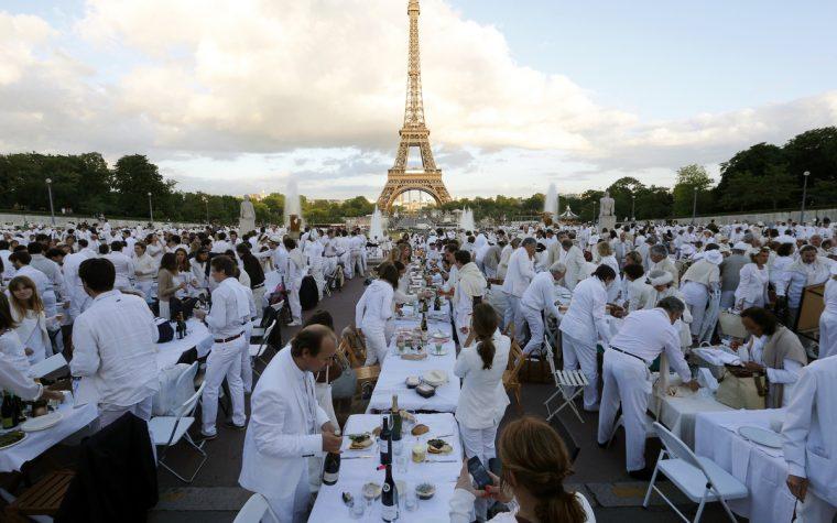 Dîner en Blanc celebra sus 30 años con una edición global en París