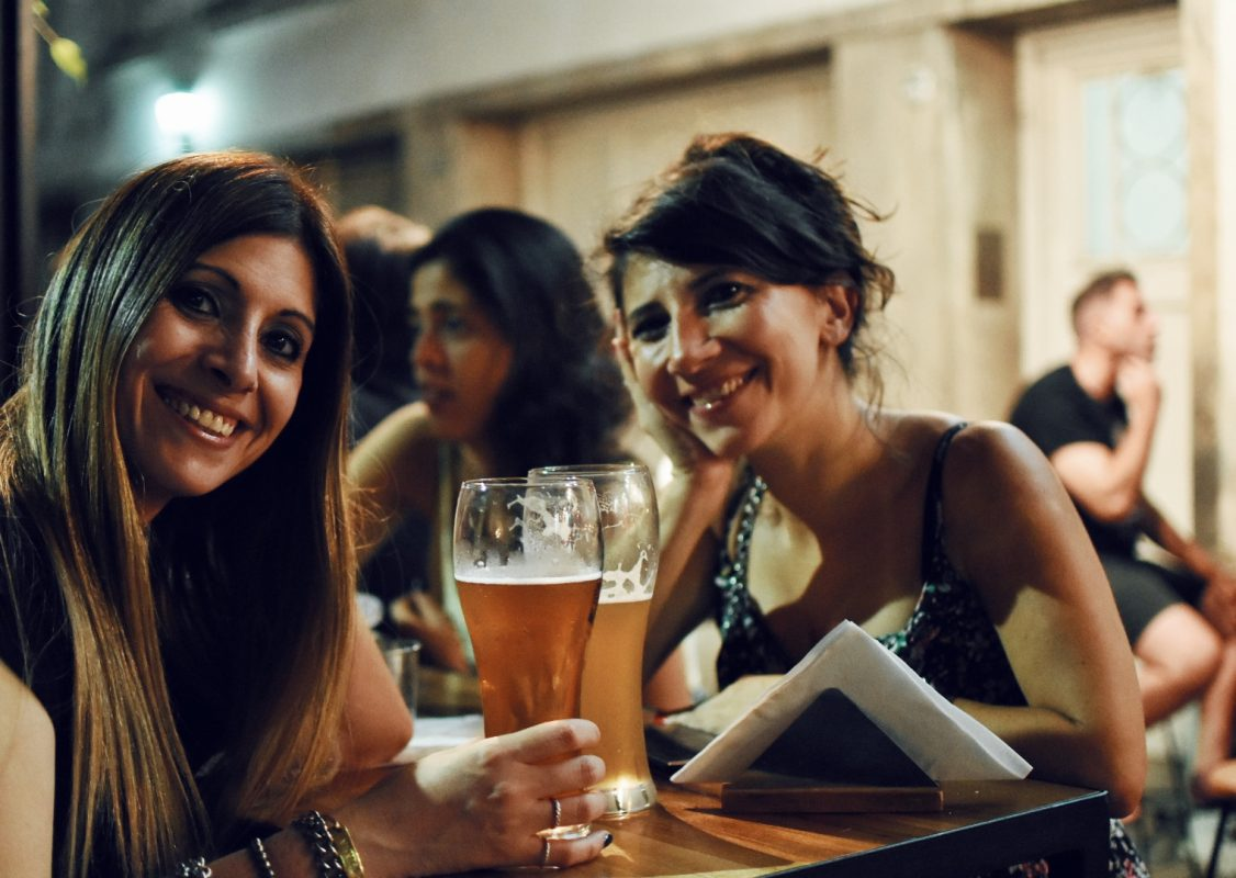 Día de la Mujer cervecera: tres propuestas para salir a brindar este 8 de marzo