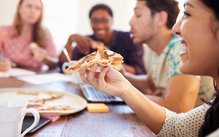 Llegó iFood, la app para pedir comida más grande de latinoamerica