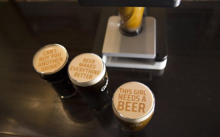 Conocé Beer Ripples, una impresora 3D que personaliza las cervezas