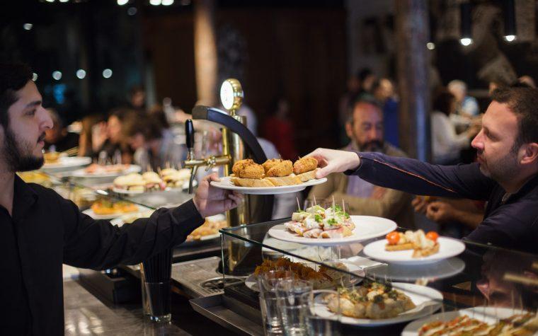 Sagardí, el bar de tapas, lanza su propia línea de vinos