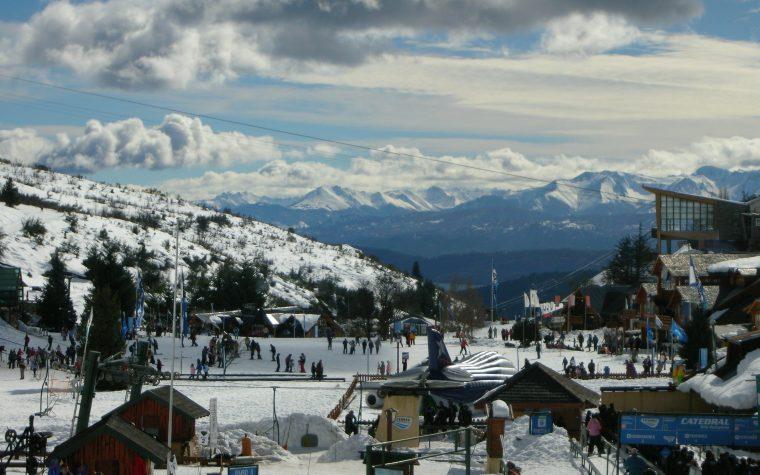 Bariloche lanzó su temporada de invierno y la nieve ya confirmó asistencia