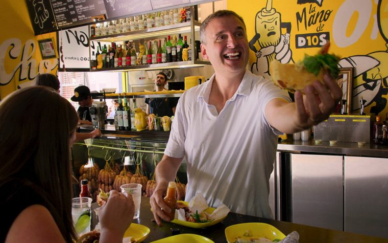 """""""Que alguien alimente a Phil"""": lo nuevo de Netflix en Buenos Aires"""