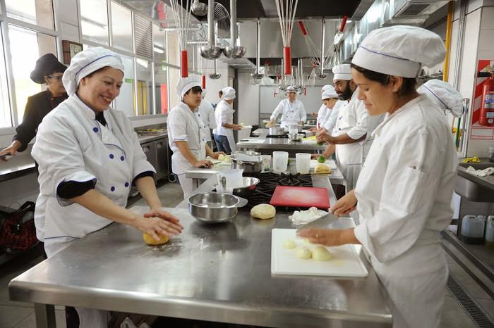 Abrieron las inscripciones al programa de oficios gastronómicos de la Ciudad