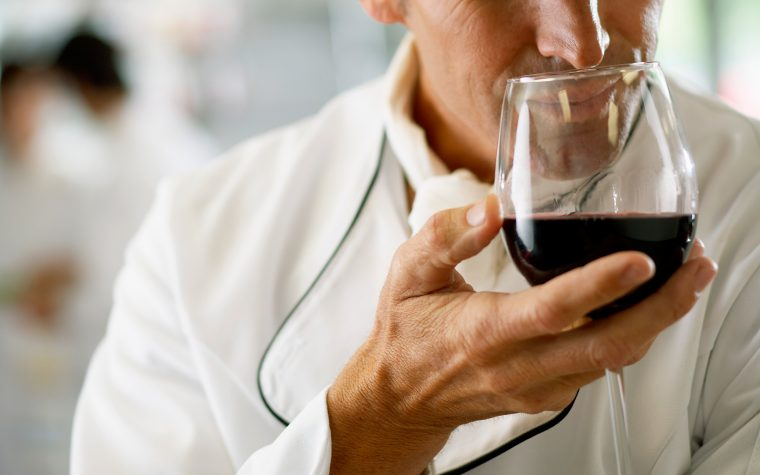 Los 5 defectos más frecuentes del vino y cómo identificarlos