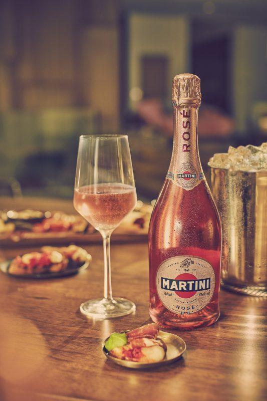 Martini presenta su Rosé, el espumante rosado más dulce del mercado