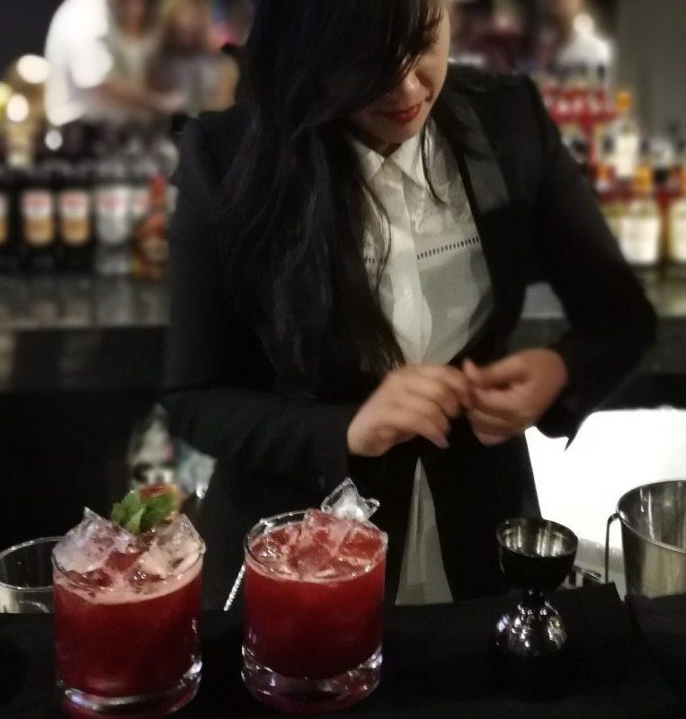 La mística de la coctelería porteña conquistó la noche tucumana